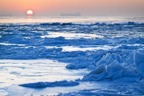 看着冰面上的太阳,内心的激动无以言表