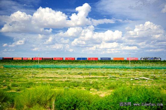 草原上从蒙古开来的火车 作者:the_air