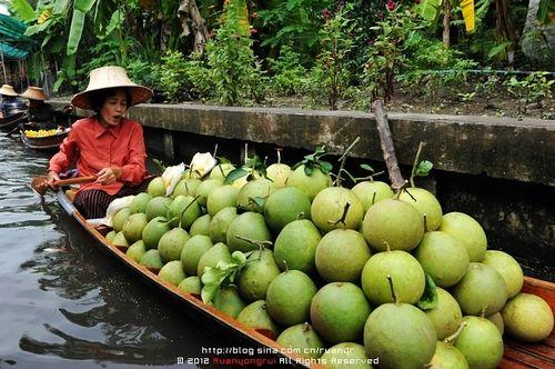 新浪旅游配图:水上市场 摄影:阮导