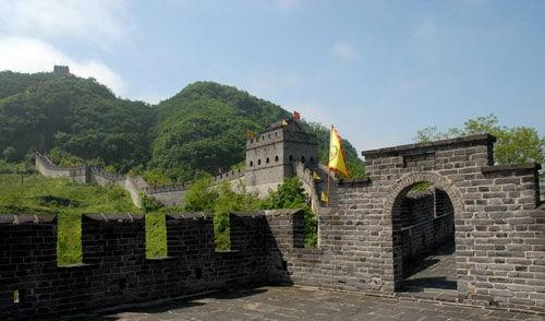 长城建造的终点 丹东虎山明长城高清图片
