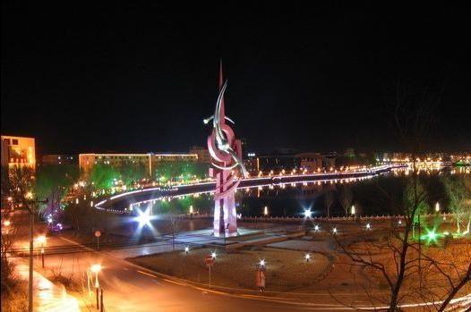 黑龙江省齐齐哈尔市-齐齐哈尔四大风格独特的广场