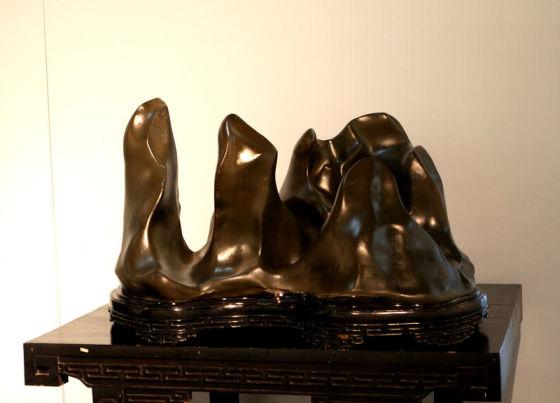 柳州质地优良的奇石 图片来源:新浪