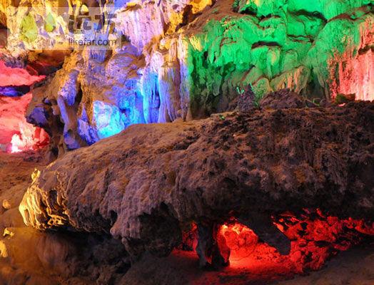 冠岩水洞长年封闭,景观保护良好 图片来源:远方网
