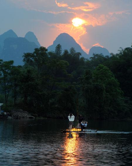 夕阳西下 图片来源:光追影子 新浪博客