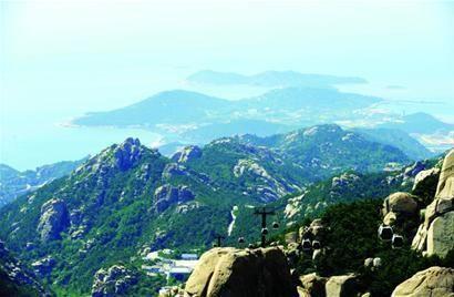 """青岛崂山主峰的巨峰风景区,体验了一把""""会当凌绝顶,一览众山小""""的意境"""