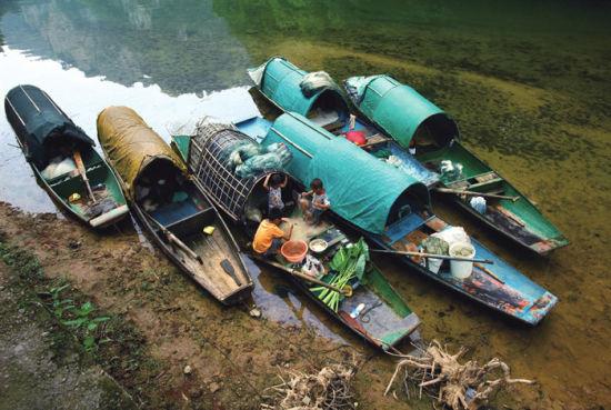忙碌的渔家