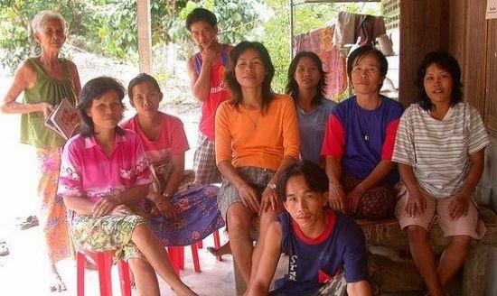 泰国男人可以娶好几个老婆