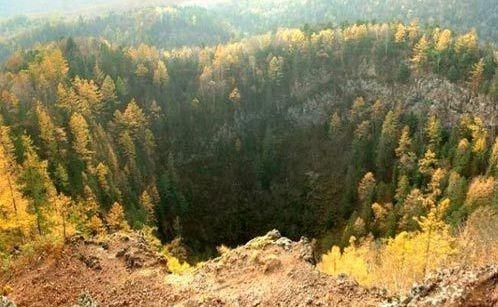 镜泊湖火山景观