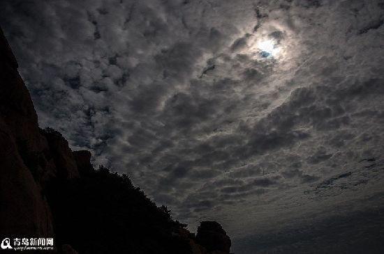 云彩蔽日(纪春章摄)