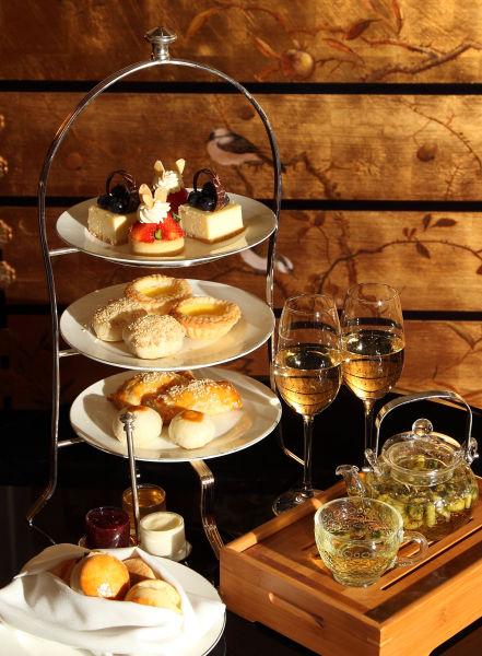 2014年1日1日至31日   大堂酒廊全新推出节日下午茶,完美融合中式点心图片