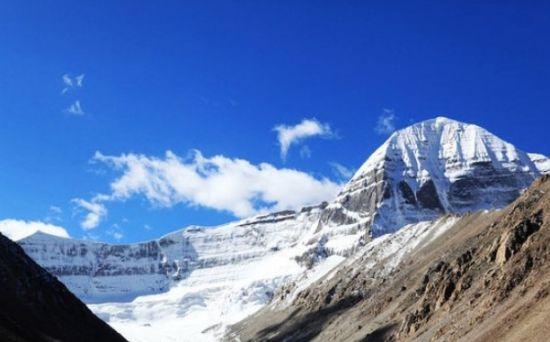 洗涤心灵的纯洁圣地盘点中国十大最美雪山