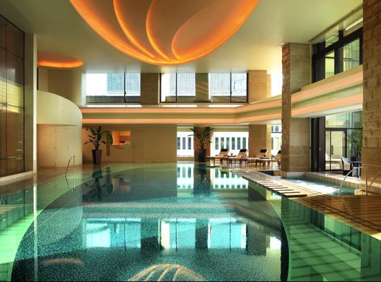 东京半岛酒店泳池