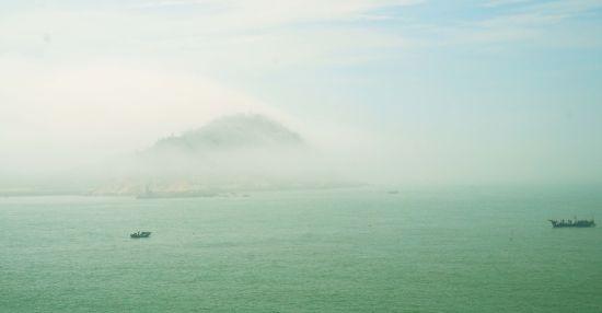 被云雾缭绕的东门屿