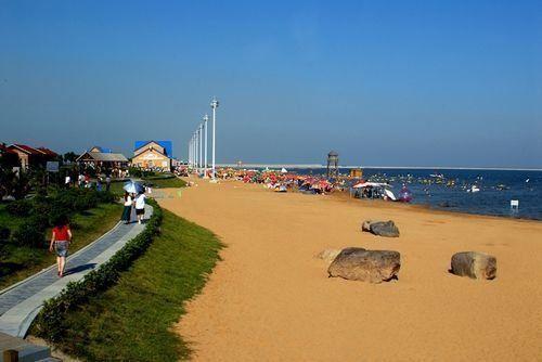 沪上适合消暑的七大沙滩水公园热带风暴、奉贤海滩