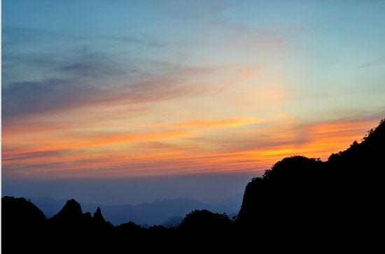 登至高点观日出日落