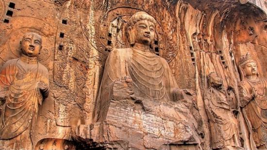 行走龙门石窟 追忆千年文化