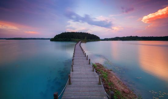 平天湖 摄影:朱正