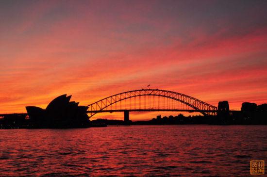 夕阳下的歌剧院和悉尼大桥,你醉了么?
