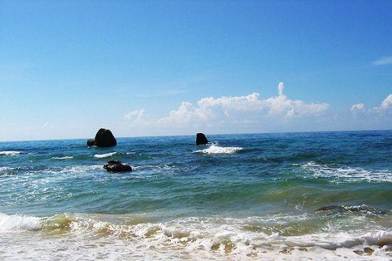風景指數:★★★★    日月灣   沿著海岸線繼續向南,來到日月灣.