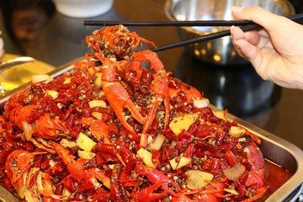 虾比叨--嗨吃馋人小龙虾   这里的小龙虾出身北京簋街,空运千里