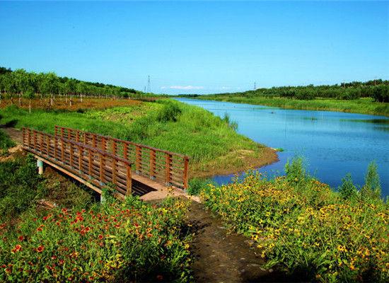 美丽河流渔船风景图片