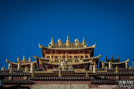 噶丹・松赞林寺