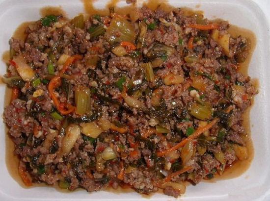 辣腌菜炒肉(图片来源:@邦腊掌温泉)