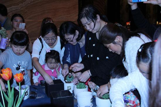 """西安香格里拉大酒店举办""""地球一小时""""儿童活动"""