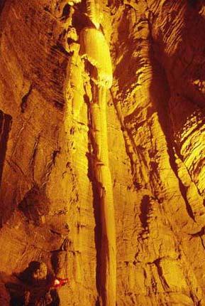 高峻奇险的青州仰天山溶洞景观(组图)