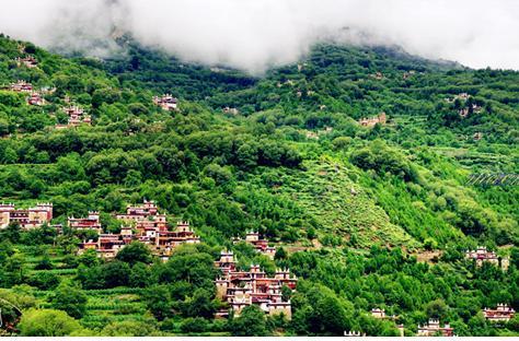 2丹巴藏寨:空谷有佳人