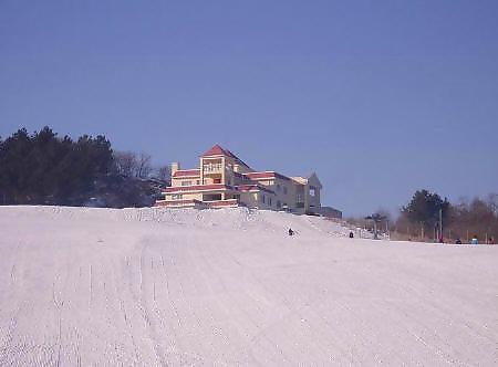 龙珠二龙山滑雪场