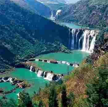 云南4A级景区罗平九龙瀑布群风景区高清图片