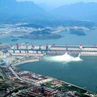 三峡大坝全景图