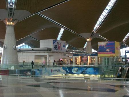 图文:实拍吉隆坡机场国际候机室(9)