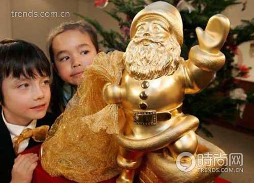 1.7克拉钻石圣诞老人亮相日本