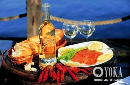 鱼类和小龙虾是芬兰食品的强项,不能错过。