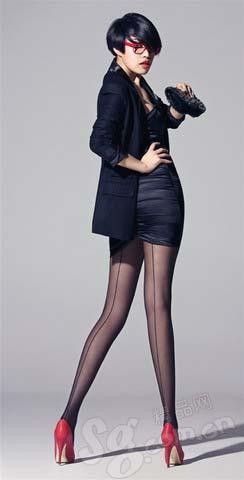 黑色长西装Zero丝袜American Apparel其他皆为私人物品