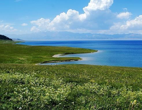 赛里木湖迷人的风光