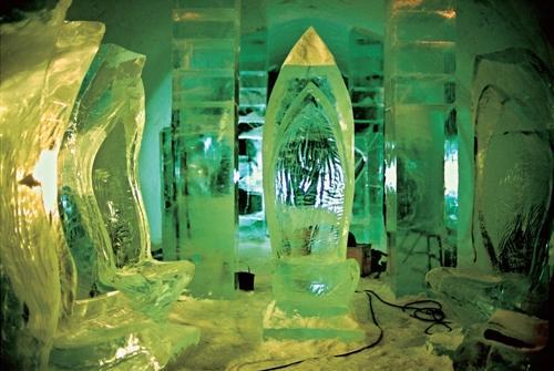 """2006年12月,我亲眼目睹了一回06年版冰酒店的""""诞生""""。这是我拍摄的06年版冰酒店的工地。"""