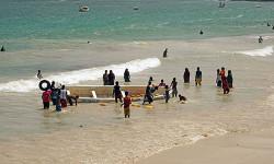 危险之都摩加迪沙 炮火下的海滩