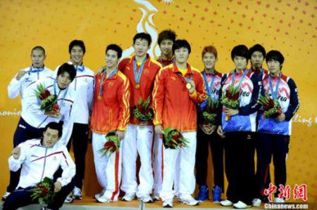 11月16日晚,中国选手获得亚运会男子4X100米自由泳接力金牌,日本获得银牌,韩国获得铜牌。
