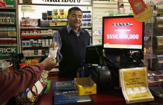 亚利桑那州加油站售出18亿彩票