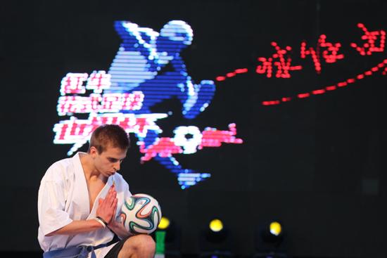 """中国风席卷花足世界杯 未来走""""波兰道路""""前景无限"""