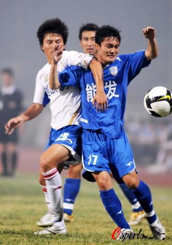 图文-[中甲]南京有有主场0-0四川手上动作太多