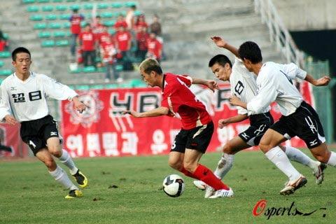 图文-[中甲]延边队0-2上海东亚遇围困毫无惧色