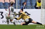 图文-[女足]美国4-0加拿大 安妮罗德里格斯进球瞬间