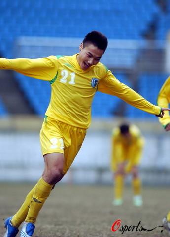 图文-中乙决赛阶段第2轮天津2-0山峡连琛兴奋不已