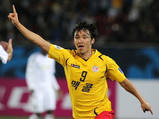 图文-城南一和挺进亚冠决赛他成为了城市英雄
