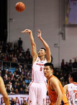 广东胜上海总分2-0夺赛点易建联26+11刘炜12+6