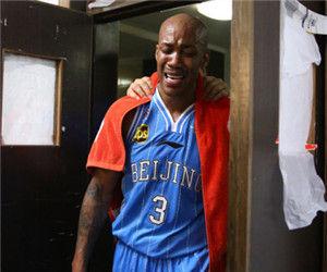 总决赛MVP把冠军献给教练莫里斯:这是你应得的!